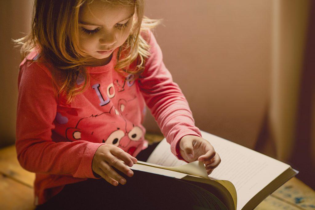 Høststemning: En perfekt høstaktivitet er å lese bøker.
